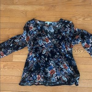 American Eagle flowy floral blouse